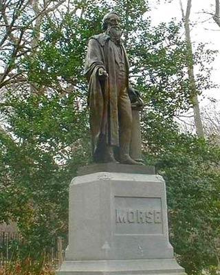 Памятник Морзе в Нью-Йоркском Центральном парке